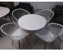 4 SIDERA CHAIRS AND TABLE **REDUCED! NOW $200
