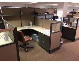 7' x 6' Cubicle Pre Owned LIKE NEW Beige Color